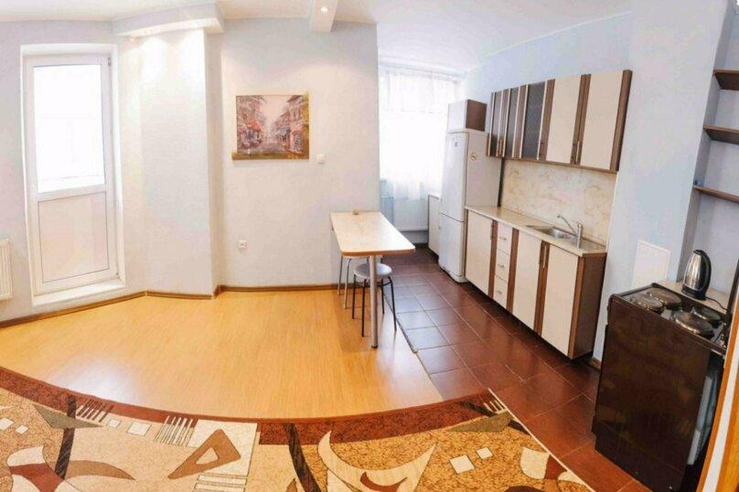 1-комн. квартира, 44 кв.м. на 3 человека, улица Василия Гольцова, 3, Тюмень - Фотография 10