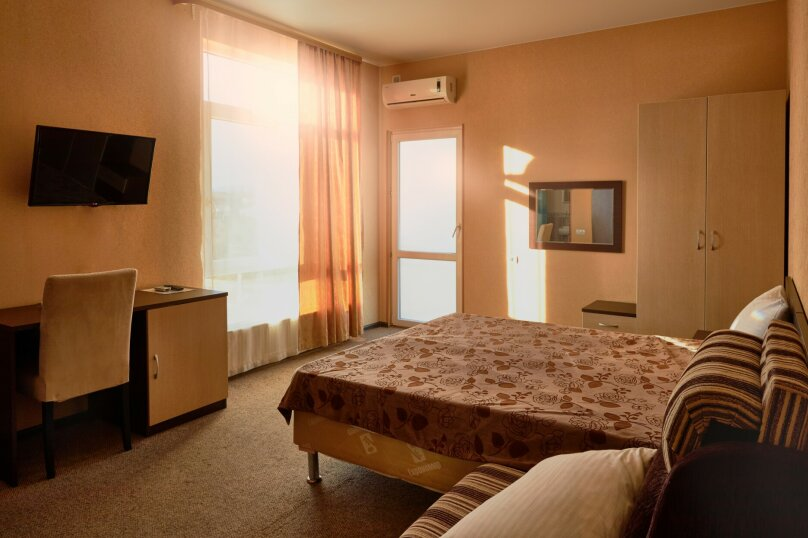 Трехместный номер (кровать + кресло кровать), Луговая улица, 11, Адлер - Фотография 1