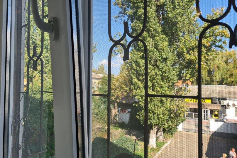2-комн. квартира, 49 кв.м. на 4 человека, улица Ленина, 29, Керчь - Фотография 24