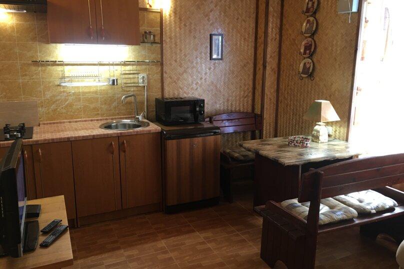 2-х комнатный  с кухней и своим двориком, Качинское шоссе, 30/71, посёлок Орловка, Севастополь - Фотография 1