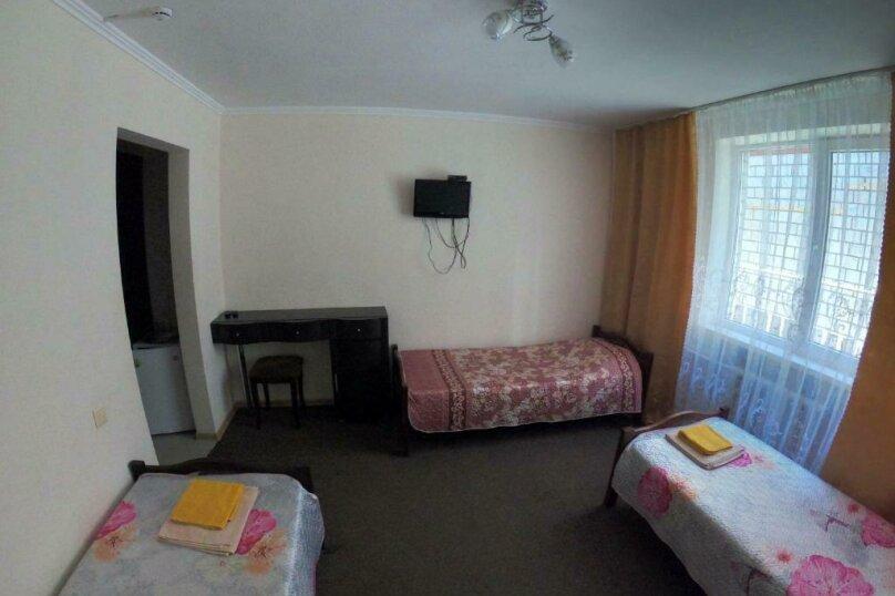 Гостевой дом  «Каприз», Крымская улица, 65 на 40 комнат - Фотография 35