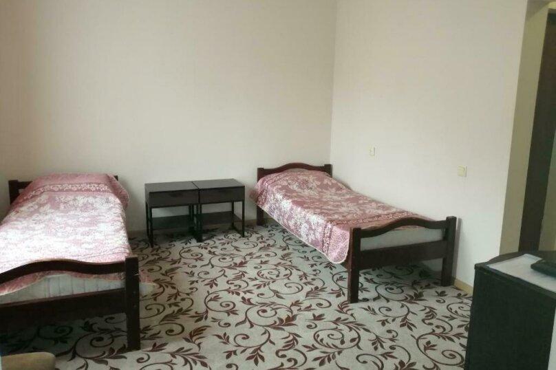 Гостевой дом  «Каприз», Крымская улица, 65 на 40 комнат - Фотография 28