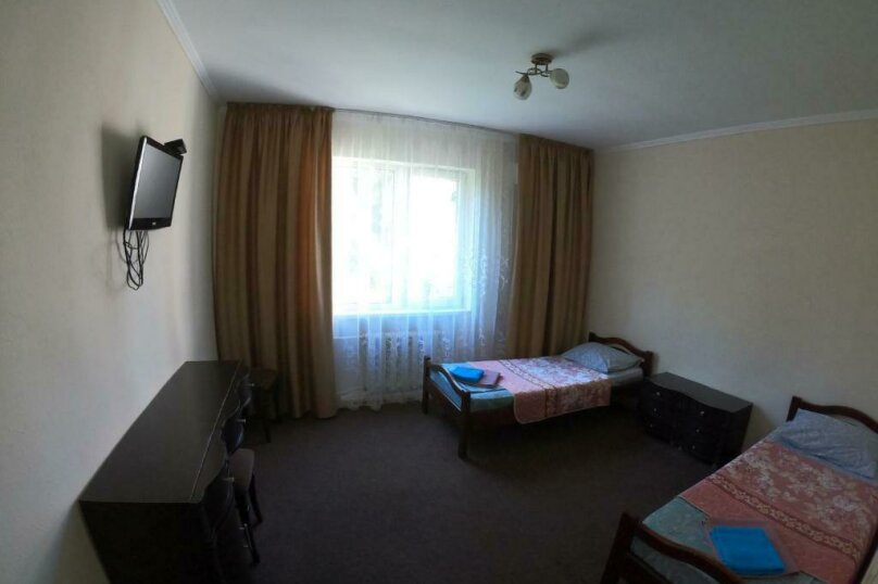 Гостевой дом  «Каприз», Крымская улица, 65 на 40 комнат - Фотография 30