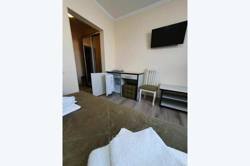 Гостевой дом  «Каприз», Крымская улица, 65 на 40 комнат - Фотография 26