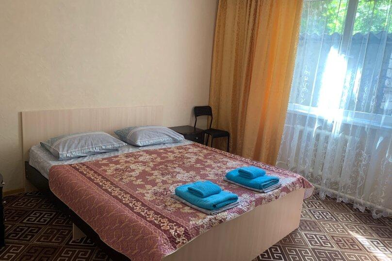 Гостевой дом  «Каприз», Крымская улица, 65 на 40 комнат - Фотография 33