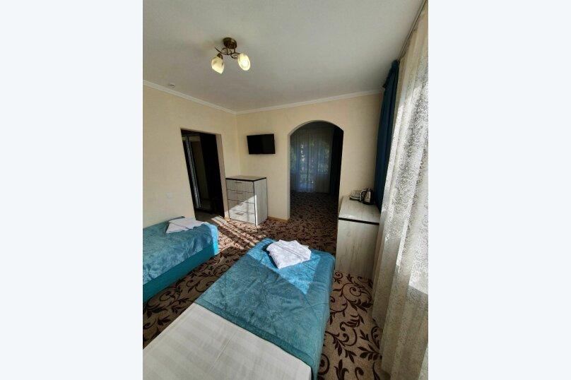 Гостевой дом  «Каприз», Крымская улица, 65 на 40 комнат - Фотография 14