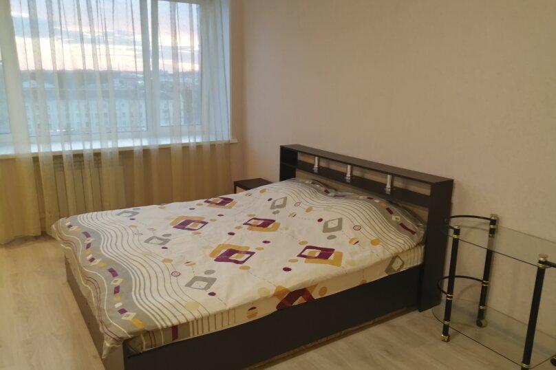1-комн. квартира, 36 кв.м. на 3 человека, Крестовая улица, 141, Рыбинск - Фотография 1