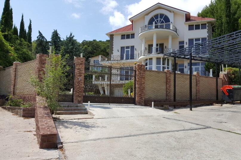 Дом, 758.3 кв.м. на 15 человек, 7 спален, пгт Ореанда, 55, Ялта - Фотография 1