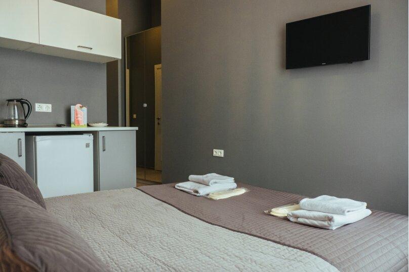 Двухместный номер «Комфорт» с 1 кроватью и мини-кухней , Литейный проспект, 61, Санкт-Петербург - Фотография 4