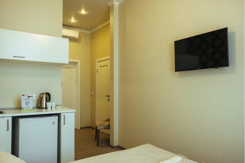 Двухместный номер «Комфорт» с 1 кроватью и мини-кухней , Литейный проспект, 61, Санкт-Петербург - Фотография 11