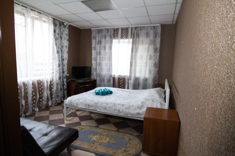 №8 Улучшенный двухместный номер с 1 кроватью, поселок Гидроузел, с30, Руза - Фотография 1