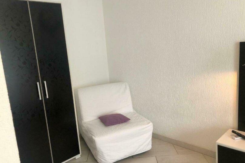 Двухместный с одной большой кроватью + кресло-кровать (Люкс), Приморская улица, 3Г, Ольгинка - Фотография 13