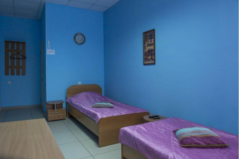 Двухместный комфорт с двумя односпальными кроватями, Новороссийская улица, 7, Барнаул - Фотография 1