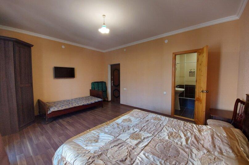 Стандарт на 2,3 этажах, улица Апсха-Леона, 51, Гагра - Фотография 1