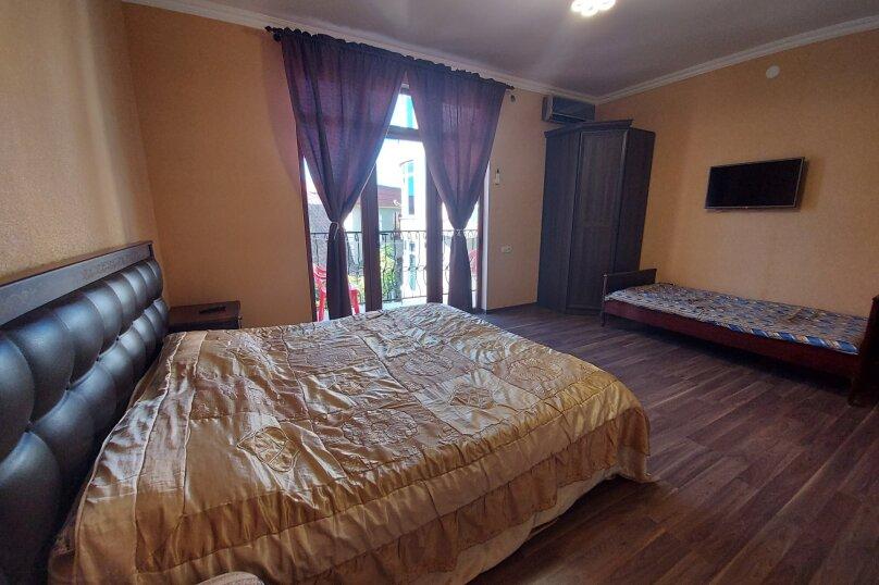 Стандарт на 2,3 этажах, улица Апсха-Леона, 51, Гагра - Фотография 3