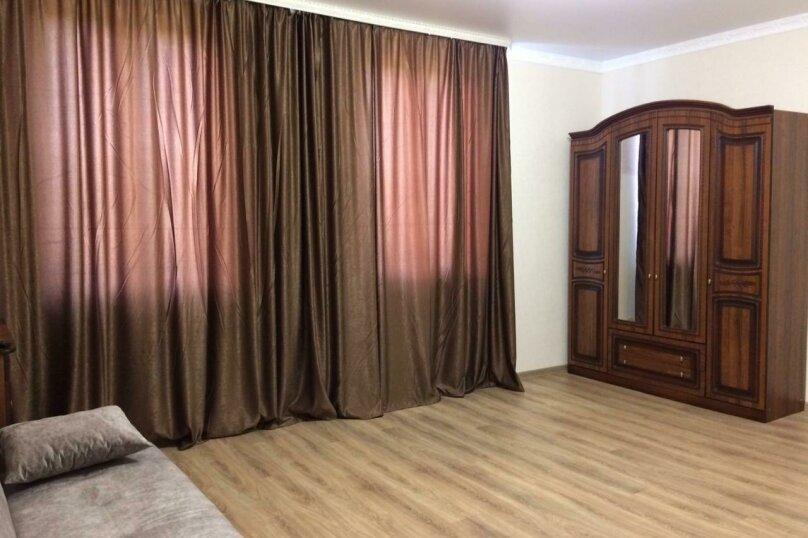 люкс с 1-ой спальней, Чкалова, 1, Алахадзы - Фотография 1
