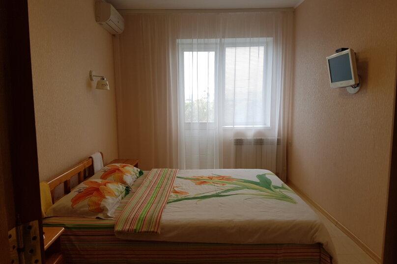 Часть дома с отдельным входом, 150 кв.м. на 10 человек, 5 спален, Интернациональная улица, 17, Береговое, Феодосия - Фотография 18