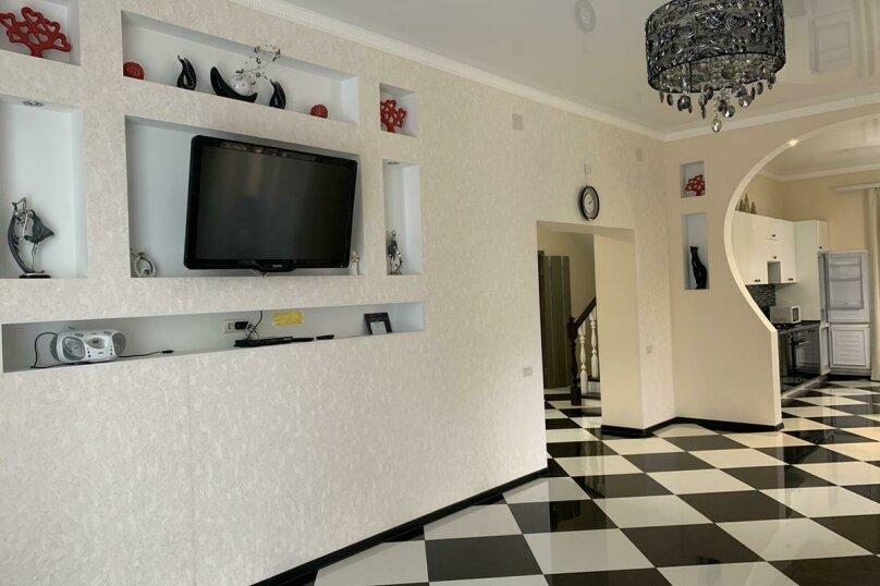 Дом для отпуска Alexandr SKI House, 240 кв.м. на 12 человек, 4 спальни, улица Тагира Кусимова, 1, деревня Зеленая Поляна - Фотография 11
