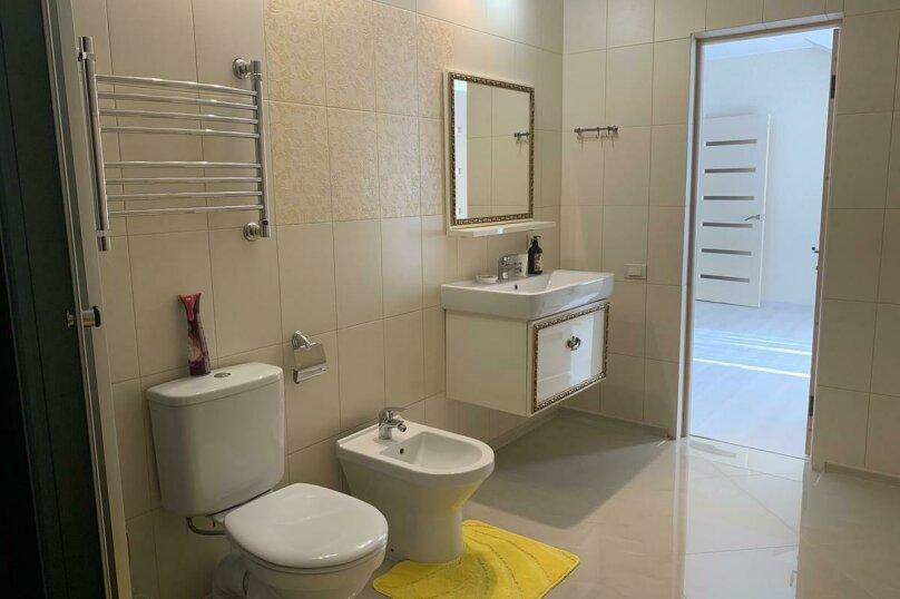 Дом для отпуска Alexandr SKI House, 240 кв.м. на 12 человек, 4 спальни, улица Тагира Кусимова, 1, деревня Зеленая Поляна - Фотография 16