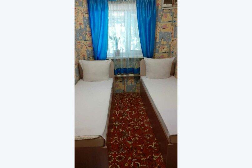 2х местный номер с 2мя раздельными кроватями, Житомирская улица, 8, посёлок Новый Рогачик - Фотография 1