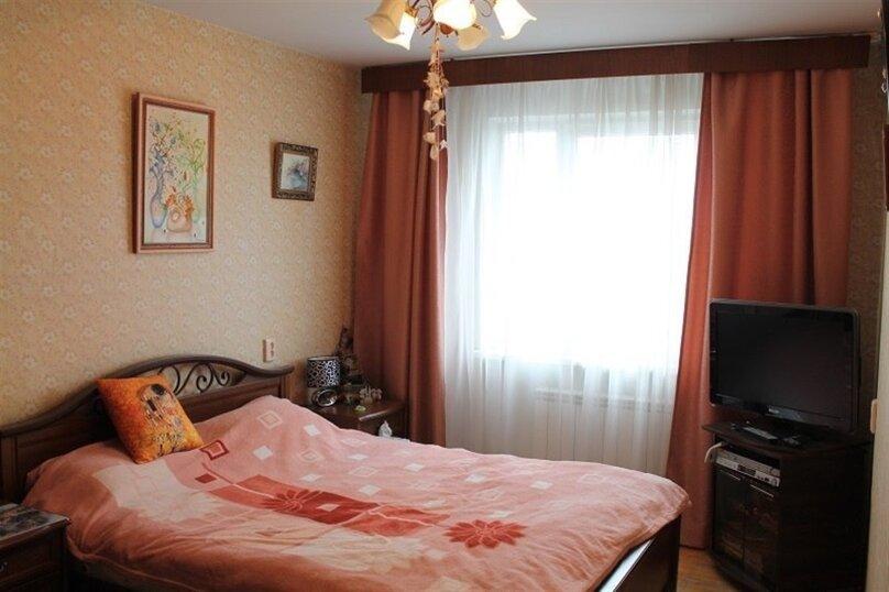 3-комн. квартира, 80 кв.м. на 7 человек, улица Крестинского, 37к2, Екатеринбург - Фотография 2