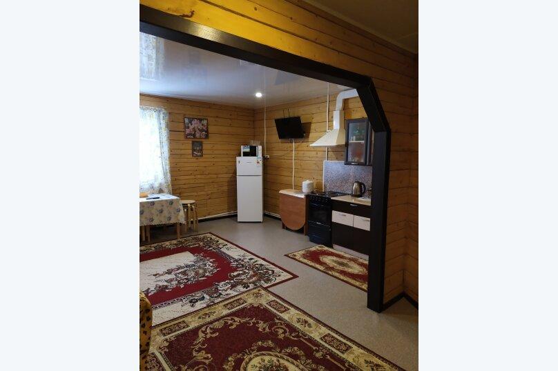 Гостевой коттедж на 8 гостей, 80 кв.м. на 8 человек, 2 спальни, улица Пирогова, 16А, Шерегеш - Фотография 1