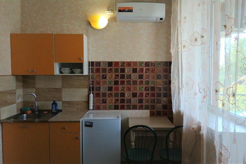 Полулюкс 2-комнатный 3-местный с балконом и кух. зоной, Морская, 4, сектор 4, строение 5А, Саки - Фотография 1
