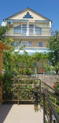 Дом двухэтажный с цоколем, 58 кв.м. на 4 человек...