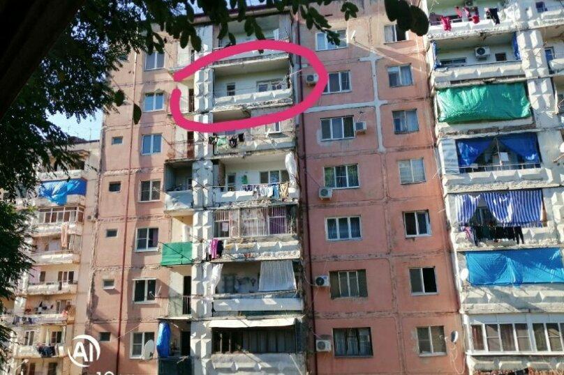 3-комн. квартира, 200 кв.м. на 7 человек, Массив гумиста, Гумистинская ул., 10, Сухум - Фотография 2