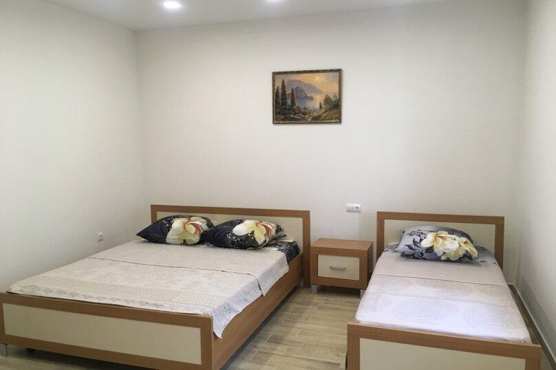Сдам жилье в Алупке, 35 кв.м. на 5 человек, улица Калинина, 32, Алупка - Фотография 24