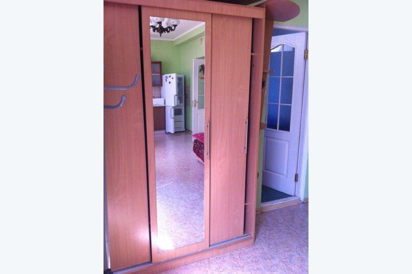 Сдам жилье в Алупке, 45 кв.м. на 6 человек, 2 спальни, улица Калинина, 32, Алупка - Фотография 5
