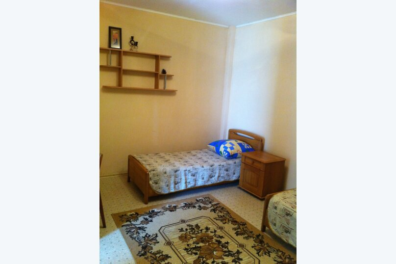 Сдам жилье в Алупке, 45 кв.м. на 6 человек, 2 спальни, улица Калинина, 32, Алупка - Фотография 13