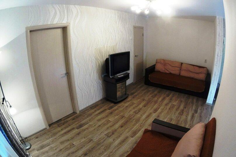 2-комн. квартира, 52 кв.м. на 5 человек, улица Блюхера, 16, Новосибирск - Фотография 2
