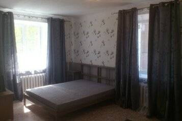1-комн. квартира, 36 кв.м. на 3 человека, улица Блюхера, 4, Новосибирск - Фотография 1