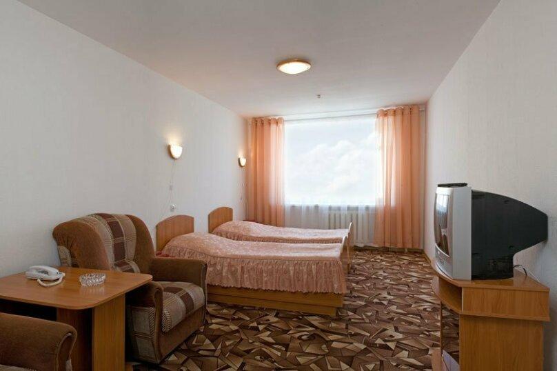 ЭКОНОМ с двумя односпальными кроватями, Набережная улица, 9, Иваново - Фотография 3