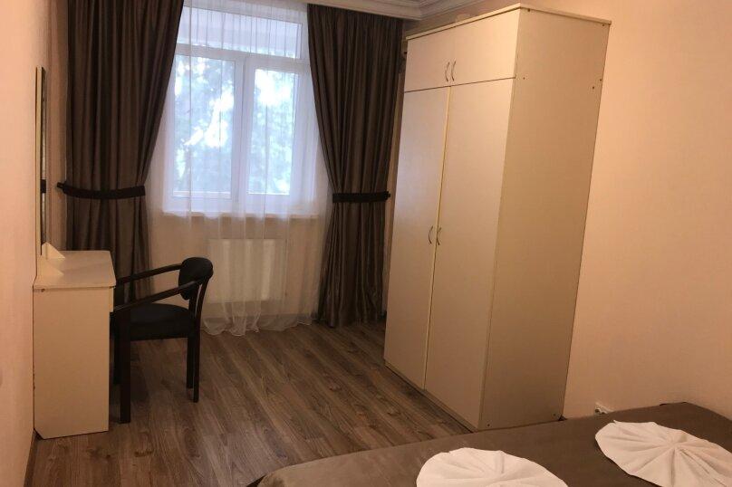 """Отель """"Алупка"""", улица Фрунзе, 8 на 39 номеров - Фотография 12"""