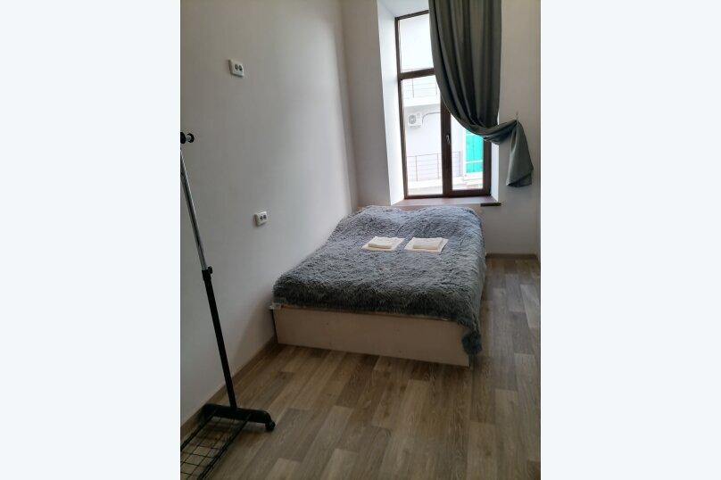 Небольшой двухместный номер, улица Нахимсона, 13, Ярославль - Фотография 1