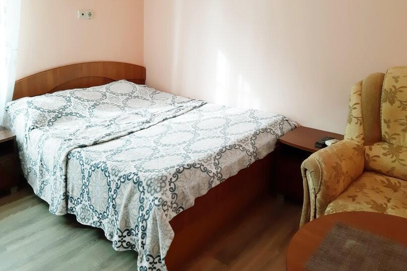 """Гостевой дом """"GREEN guest house"""", улица Тюльпанов, 4Г на 8 комнат - Фотография 36"""