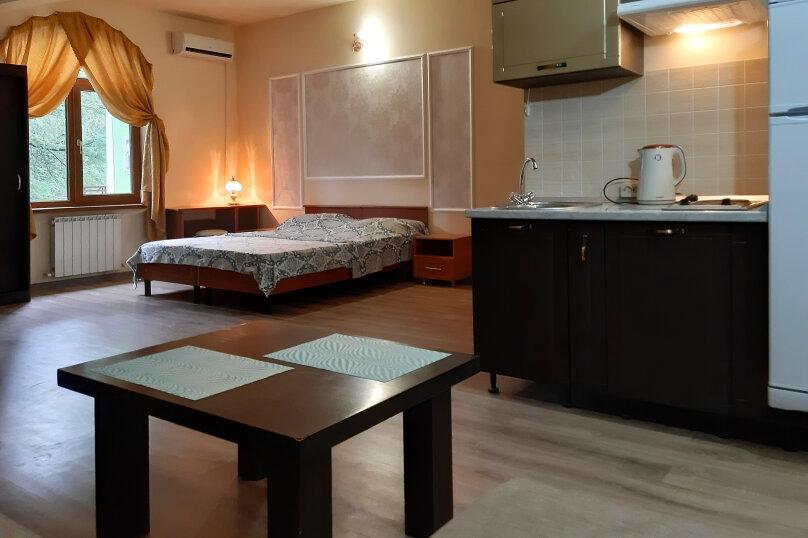 """Гостевой дом """"GREEN guest house"""", улица Тюльпанов, 4Г на 8 комнат - Фотография 18"""