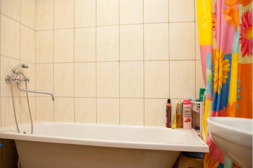 """Гостевой дом """"GREEN guest house"""", улица Тюльпанов, 4Г на 8 комнат - Фотография 24"""