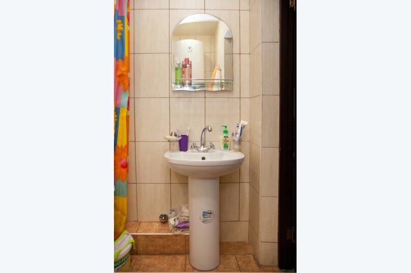 """Гостевой дом """"GREEN guest house"""", улица Тюльпанов, 4Г на 8 комнат - Фотография 25"""