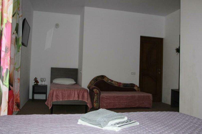 """Отель """"Белое Солнце"""", Гиацинтовый проезд, 2 на 33 номера - Фотография 20"""