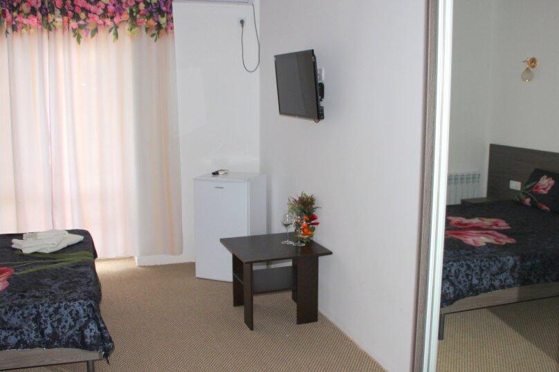 """Отель """"Белое Солнце"""", Гиацинтовый проезд, 2 на 33 номера - Фотография 26"""