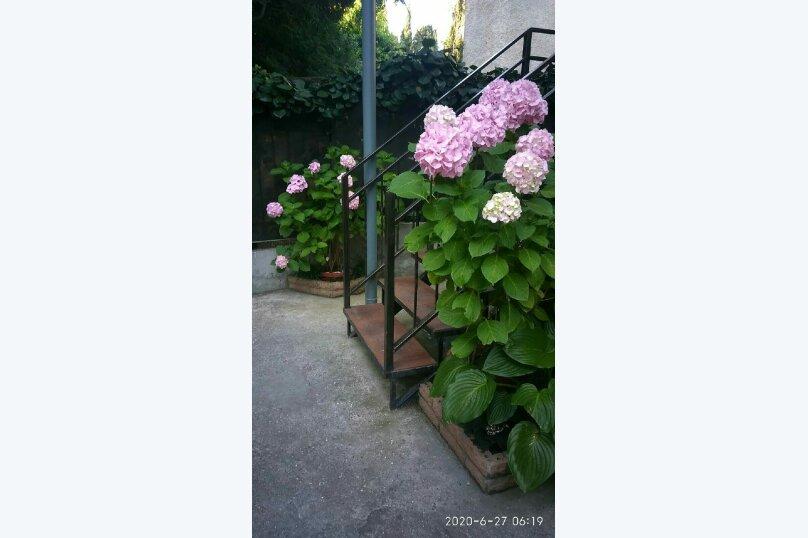 """Гостевой дом """"На Чехова"""", улица Чехова, 19 на 2 комнаты - Фотография 38"""