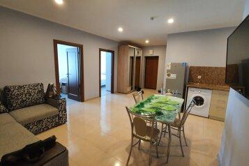 2-комн. квартира, 70 кв.м. на 6 человек, аллея Декабристов, 5, Алушта - Фотография 1