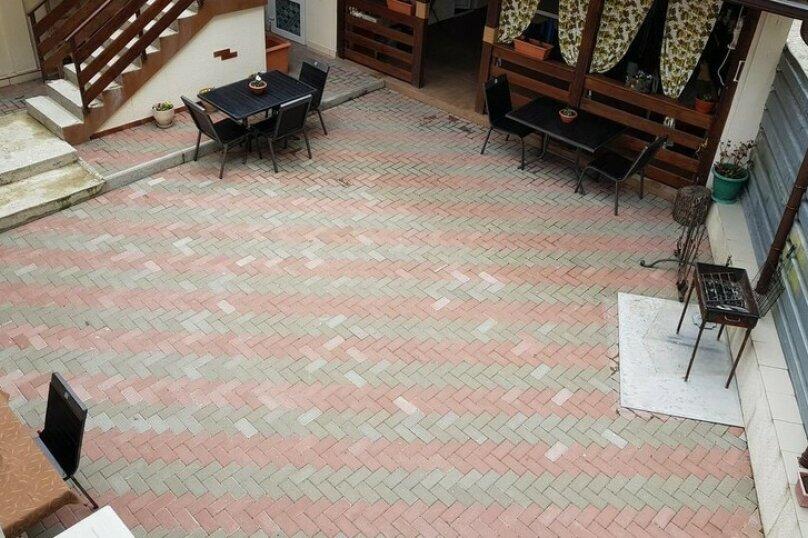 """Гостевой дом """"Уютный дворик"""", улица Леселидзе, 17Б на 5 комнат - Фотография 5"""