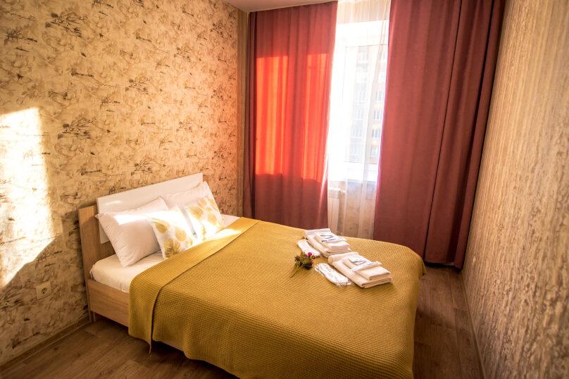 2-комн. квартира, 60 кв.м. на 6 человек, улица Николая Смирнова, 7, Чебоксары - Фотография 4