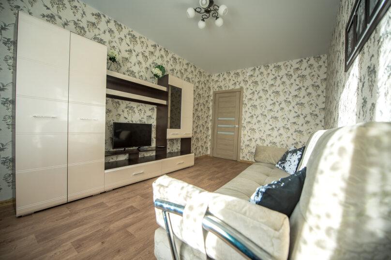 2-комн. квартира, 60 кв.м. на 6 человек, улица Николая Смирнова, 7, Чебоксары - Фотография 8