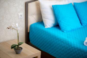 1-комн. квартира, 41 кв.м. на 4 человека, улица Б.С. Маркова, 8к2, Чебоксары - Фотография 1