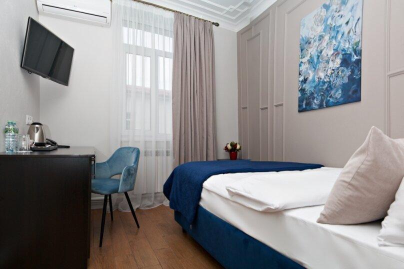 Стандартный номер с 1 кроватью и окнами во двор, Певческий переулок, 4, Москва - Фотография 1